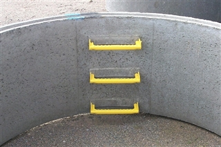 Precast Concrete Chamber Ring with Steps 1050mm Diameter 1000mm Deep