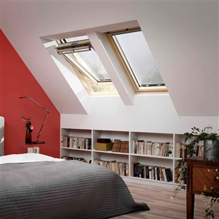 VELUX 940mm x 1400mm Pine Finish Centre Pivot Roof Window --66 Pane  GGL PK08 3066