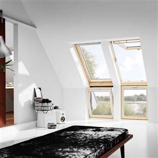 VELUX 780mm x 600mm Pine Finish Vertical Roof Window --60 Pane  VFE MK31 3060