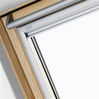 VELUX 780mm x 1400mm Integra Solar Pine Finish Centre Pivot Roof Window --66 Pane  GGL MK08 306630