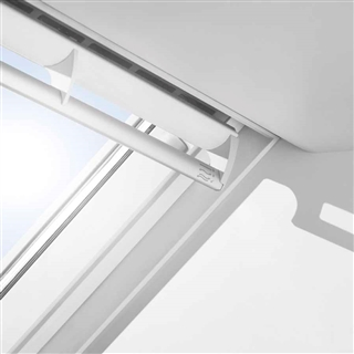 VELUX 940mm x 1600mm Integra Solar White Poly Finish Centre Pivot Roof Window --66 Pane  GGU PK10 006630