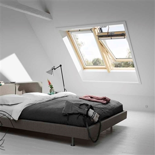 VELUX 940mm x 1400mm Pine Finish Centre Pivot Roof Window Integra Solar --70 Pane  GGL PK08 307030