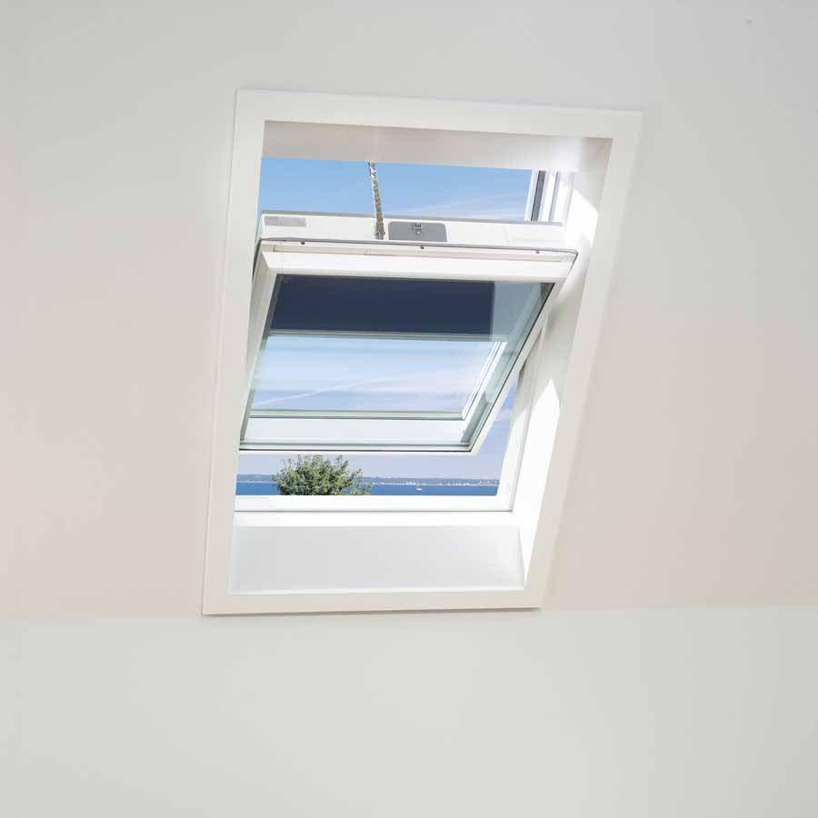 mk04 velux gallery of velux gpu ck top hung roof window white poly x cm with mk04 velux top. Black Bedroom Furniture Sets. Home Design Ideas