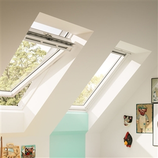 VELUX 550mm x 1180mm White Painted Finish Centre Pivot Roof Window  GGL CK06 2070