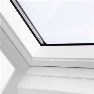 VELUX 940mm x 550mm White Painted Finish Centre Pivot Roof Window  GGL PK25 2070