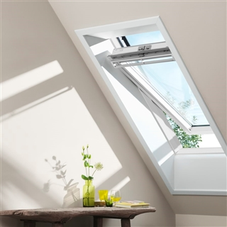 VELUX 550mm x 780mm White Painted Finish Centre Pivot Roof Window --60 Pane  GGL CK02 2060R