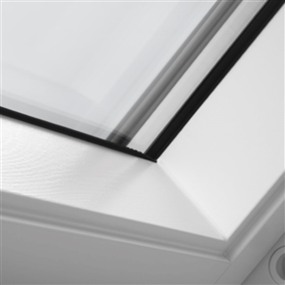 VELUX 780mm x 1180mm White Painted Finish Centre Pivot Roof Window --66 Pane  GGL MK06 2066