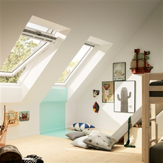 VELUX 940mm x 1600mm White Painted Finish Centre Pivot Roof Window --62 Pane  GGL PK10 2062