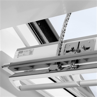 VELUX 660mm x 1180mm Integra Electric White Painted Finish Centre Pivot Roof Window --70 Pane  GGL FK06 207021U