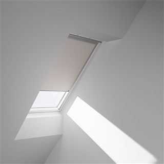 VELUX 780mm x 1400mm Electric Blackout Blind White DML MK08 1025